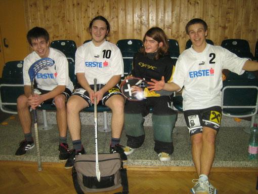 Niklas, Bernhard, Oskar, Philip - 5.Platz beim Floorball Schulcup 2009