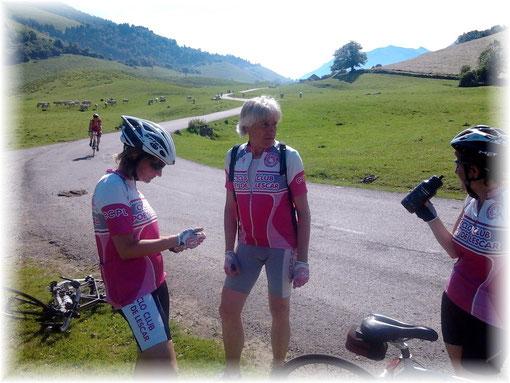 Bien entouré par ses jujus préférées, Yves est aussi un cyclo-montagnard hors pair !