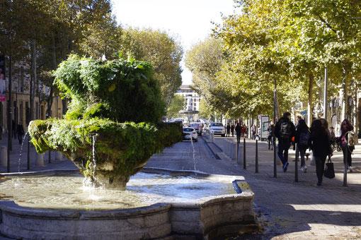 Le cours Mirabeau, une des 3 fontaines