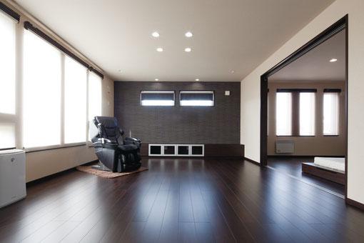 シンプルモダン ビルトインガレージ 二階リビング 滝川市 デザイン