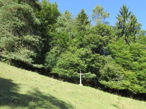STEINKREUZ - Dittingen/BL (Weltenbaum-Symbol - Element Erde, Luft, Wasser, Feuer - das Unten trägt das Oben, das Oben steht auf dem Unten)