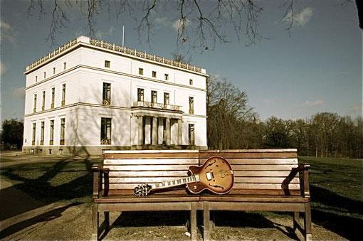 Wo liegt die playground-Gitarre?