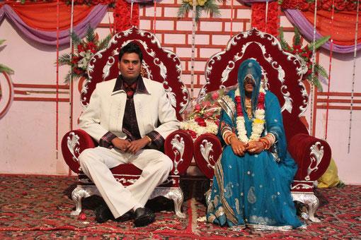 Hochzeitspaar beim Fototermin