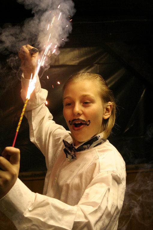 Frederik mit Feuerwerk