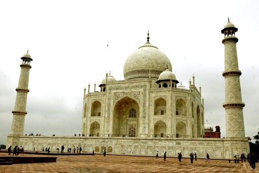 Taj Mahal bei schlechtem Wetter
