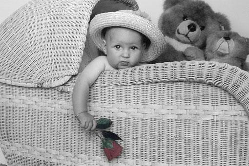 Pauline mit Teddys