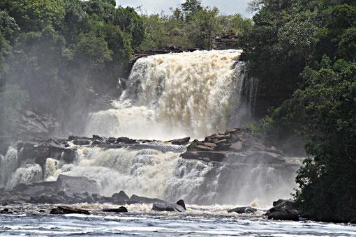 hier gibt es einige Wasserfälle