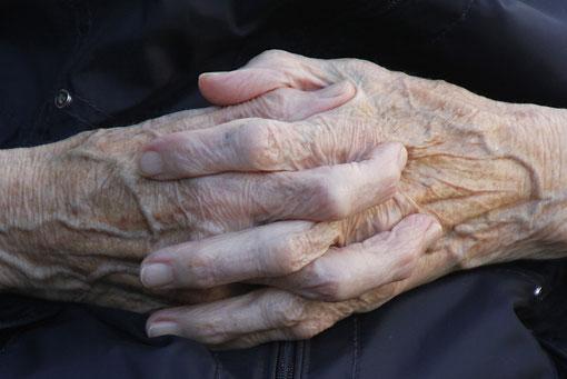 Hände von meiner Oma