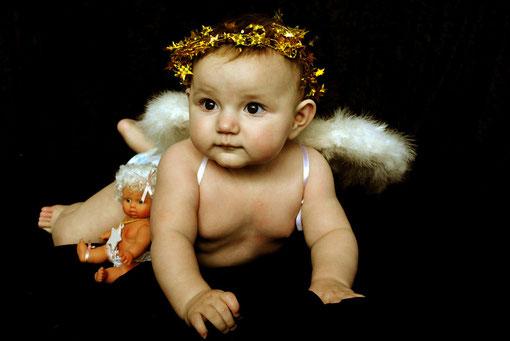 Engel mit Engelpuppe