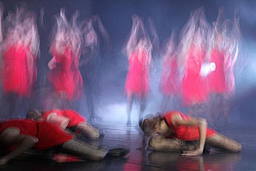 Tanzschule Klein beim Auftritt im Theater