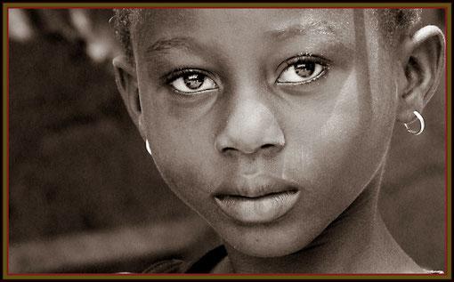 fotogenes Mädchen aus Ghana