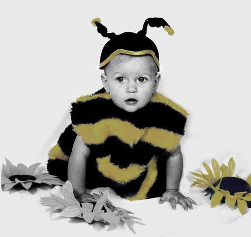 Pauline als Biene