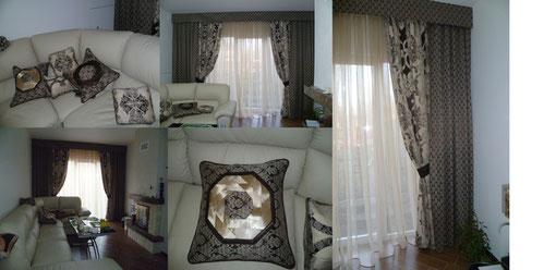 гостиная( шторы и подушки) в едином стиле