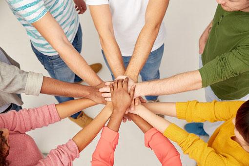 Viele Hände rasches Ende! Unser Teamgeist ist einzigartig!