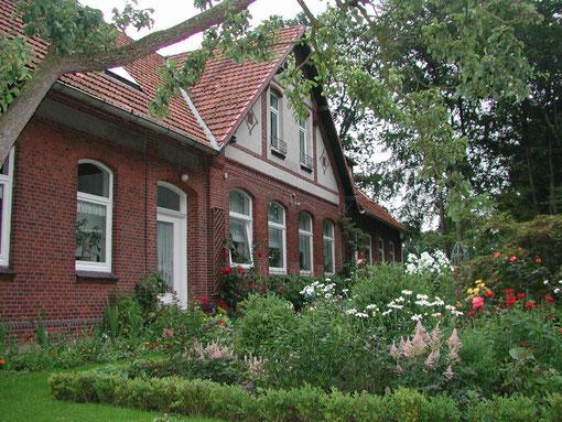 Ferienwohnung Alte Schule - Aussenansicht von Westen