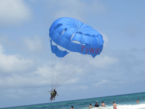 One of those Tunisian balloons/parachutes on the beach