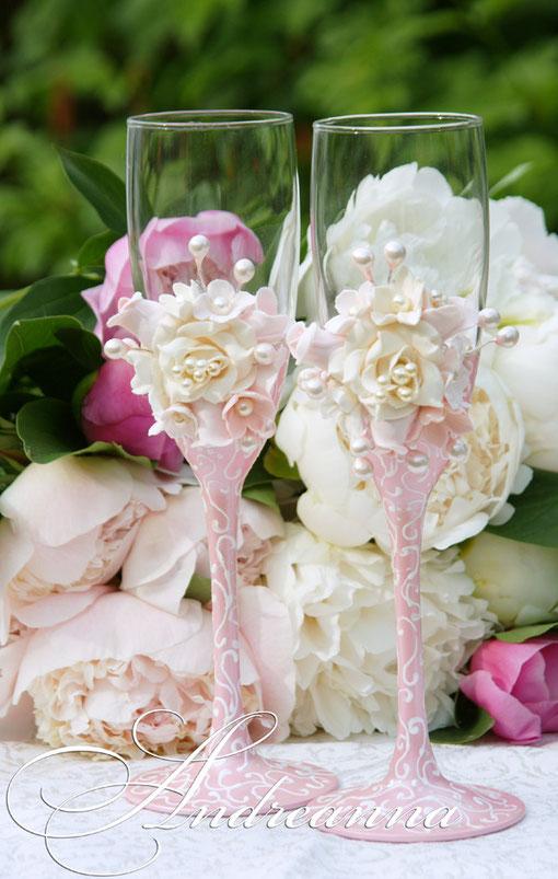 Свадебные бокалы «Прованс» цветы ручной работы, выполнение в любом желаемом цвете. Стоимость 800грн