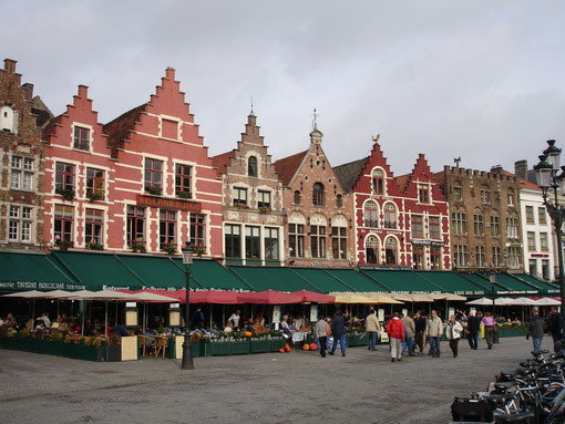 grand place de bruges, belgique