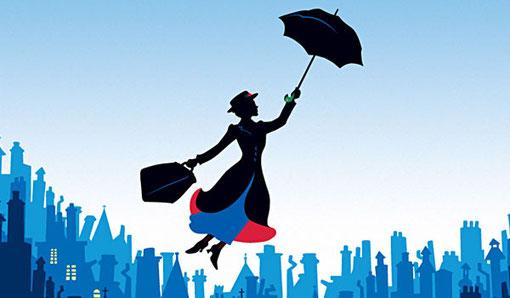 Mary Poppins sobre la ciudad de Londres.