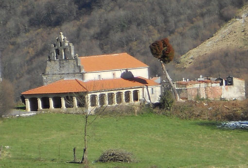 Iglesia de San Cosme y San Damián de Tolinas
