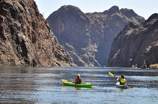 Wassersport genießen - ein Ausflug ab Las Vegas zum Lake Mead.