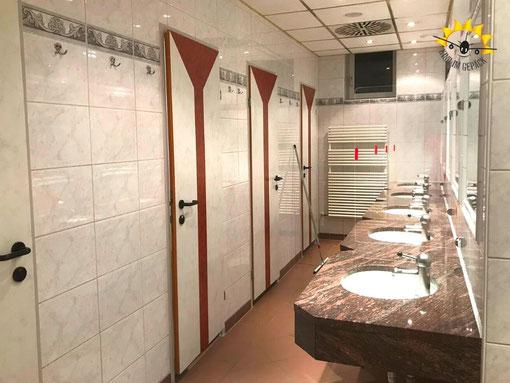 Waschräume auf dem Campingplatz Alpen-Caravanpark Tennsee bei Krün.