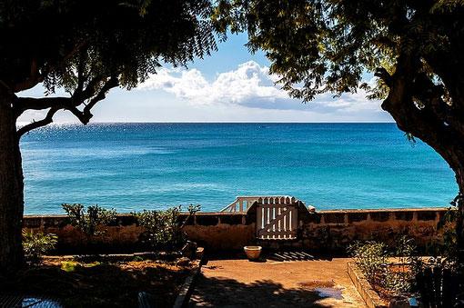 Housesitting in einer Villa mit Blick auf das Meer.