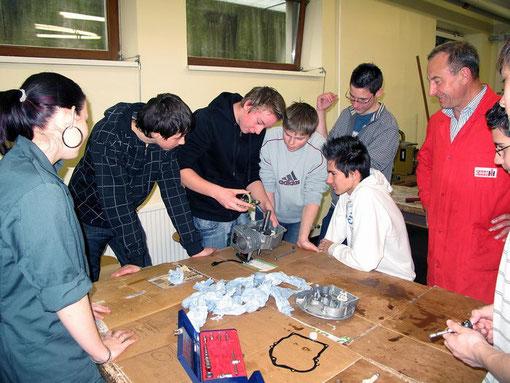 Rasenmähermotoren zerlegen und zusammenbauen