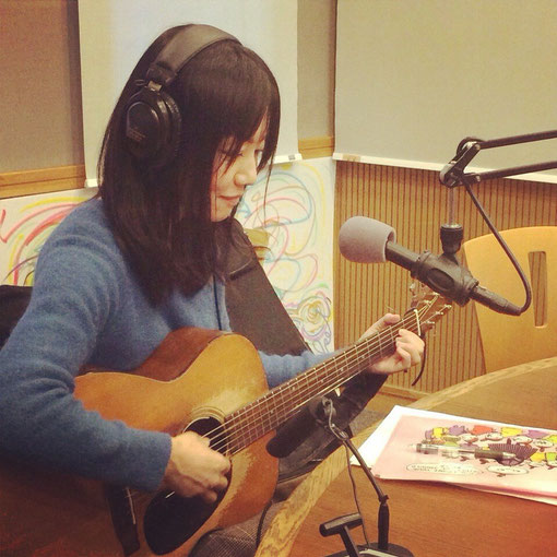 ギター弾き語りシンガーソングライター畑中摩美