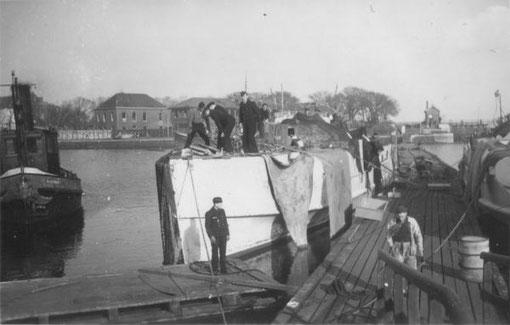 """""""S 85"""" in einem Ostseehafen - Foto: Archiv E. Skjold"""
