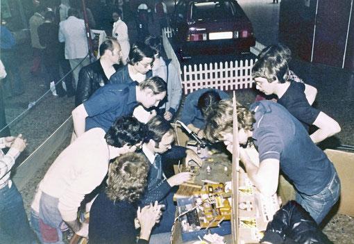 Göteborg 1978 Jean-Pierre Sutter très entouré dans les stands