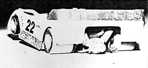 La slot car 1/32 CanAm de Chuck Ingram. Remarquez la boite de vitesse.