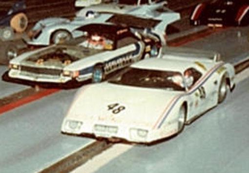 La Mercédès de Serge Lambert et la Ferrari BB512 de François Callat