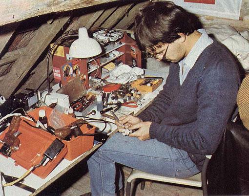 Dominique Homatter tourne ses pneux dans les stands du Grand Prix de Thoiry 1985