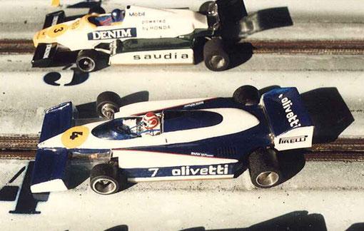 La Brabham de Serge Vuillemin et la Williams de Jean-Noël Pascal