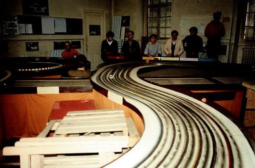 La Rondeau prend la tête en fin de matinée des 24 h du Mans 1985
