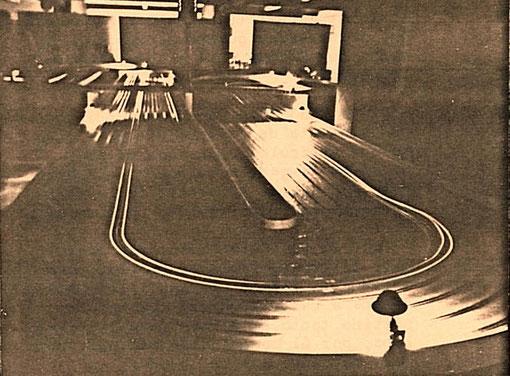 La piste 10 voies de slot racing de Mollerusa dans la nuit