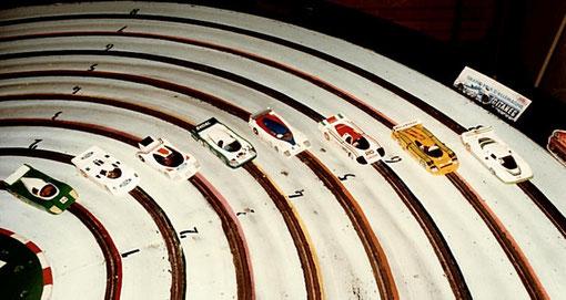 Les voitures au départ des 24 heures de Bordeaux 1985