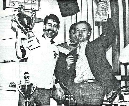 Les auteurs du hold up: Daniel Chanquet et François Callat du club de slot racing de Thoiry. ( Derrière, le directeur de course: le hollandais Hans Van Es.)