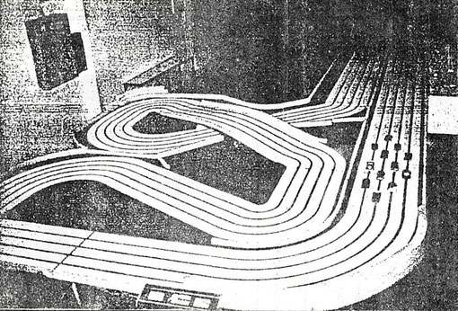 Piste 4 voies de Slot Racing de Brescia. Grand Prix d'Italie 1986. ( Photo : Miguel Pascual-Laborda )