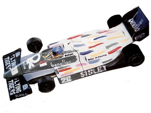 La Benetton B186 BMW de Gerhard Berger au grand prix de Monaco réalisée par Mick Harvey pour le Grand Prix de slot racing de Grande Bretagne 1986.