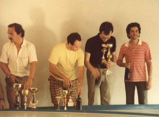 Giovanni Montiglio, Paolo Trigilio, Angelo Magnani avec des coupes et Philippe Point avec autre chose. ( Photo Fred Nivet )