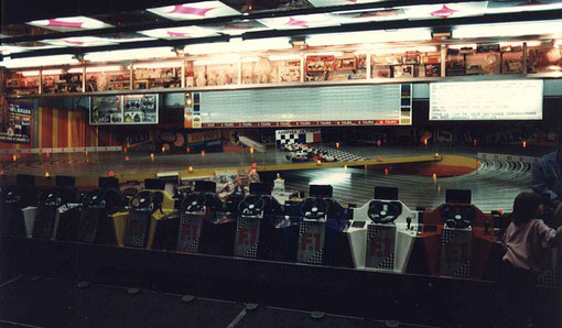 Piste de slot racing à 12 voies
