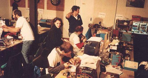 Un britanique, Mlle. Dominique Vidal (DNS), Laurent Cardin, Christophe Peix du technical staff et Samy Beraha