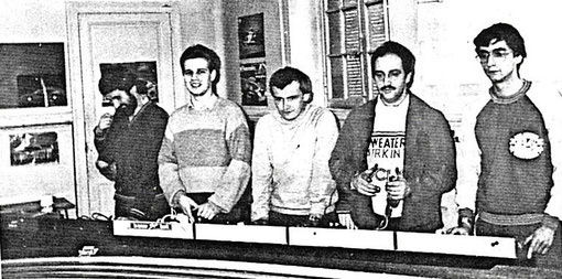 Pierre Barsacq, Olivier Demoget, Thierry Lambin, Jean-Claude Ehinger, Jean-Claude Malherbe. Finale production GP du Mans 1985. ( MiniRacing 8 )