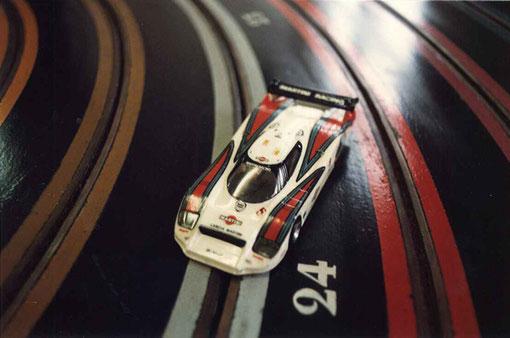 3 ième place pour  Thierry Polin et Philippe Grenet  de Rouen sur une + Plus+  Lancia LC 2 MARTINI 1984            n° 5 de  Paolo Barilla - Hans Heyer - Mauro Baldi avec   2539,32 tours en six heures.