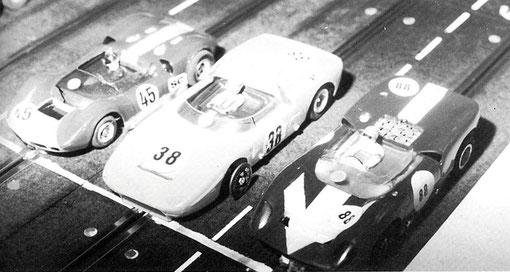 McLaren d' Axel Pommeranz Freddy Mattern, Ford Mk x-1 de Barry Magee Jeroen Van Es, Lola T70 d'Alain Clastres Philippe Point