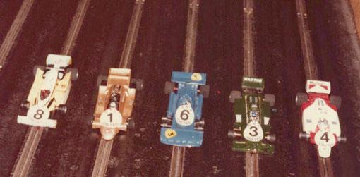 La Renault d' Éric Vadé, l' Arrows de Jean-Claude Malherbe, La Tyrrell de Didier Moret, la Lotus 80 de François Callat, la McLaren de Gérard Caupène