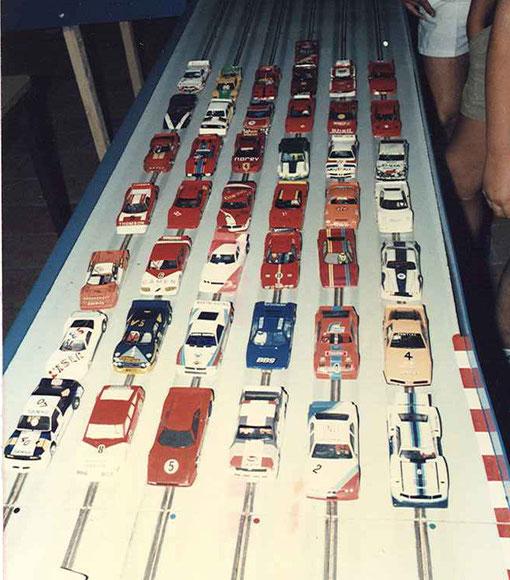 Une parie du plateau des voitures de production du GP d'Isle sue la Sorgue 1985