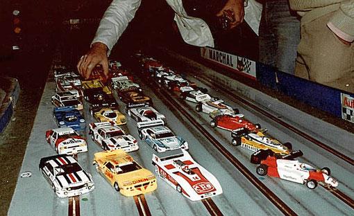 Slot cars du championnat de France de slot racing 1/32 à l'Isle sur Sorgue en 1983.